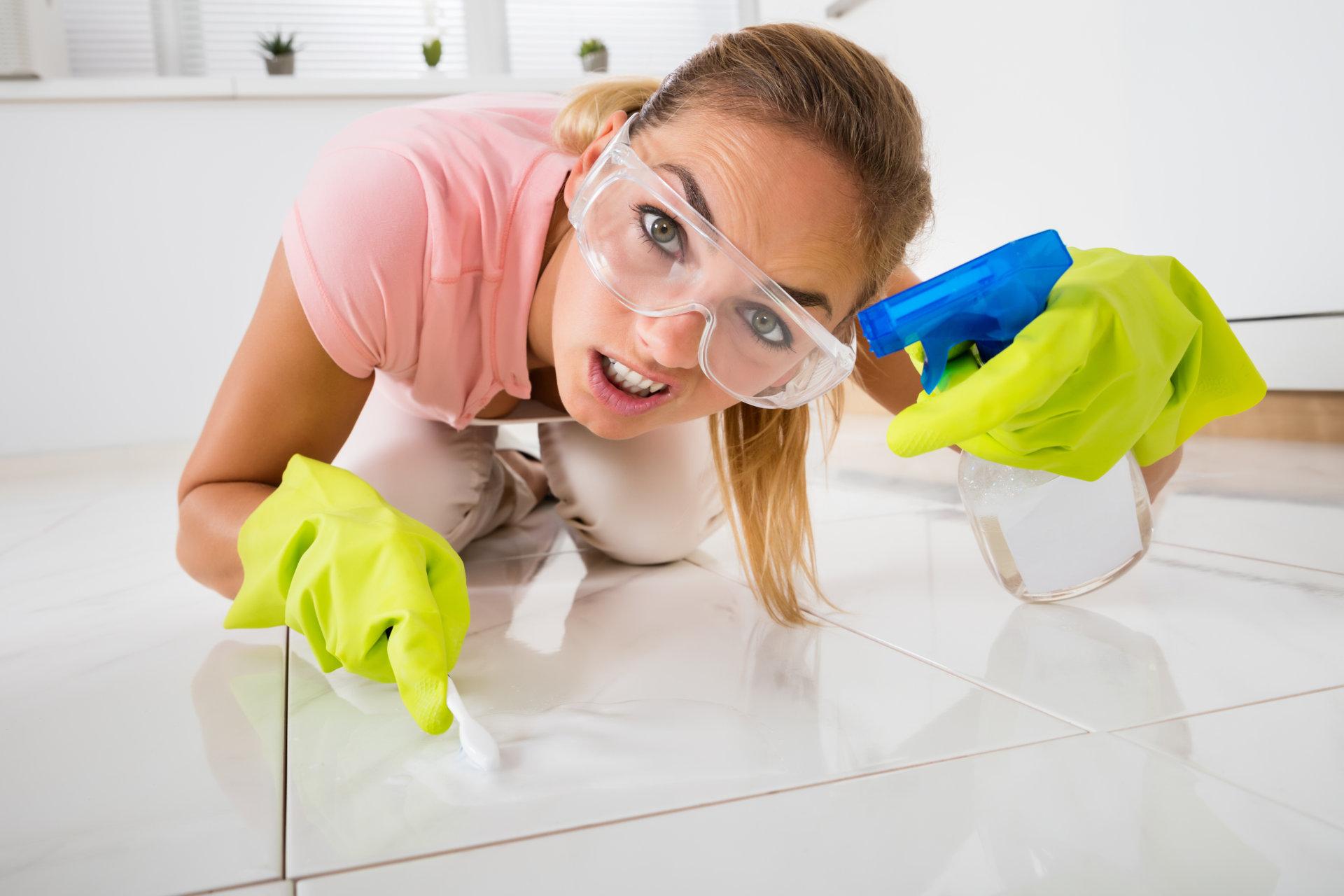 Cómo limpiar azulejos con éxito