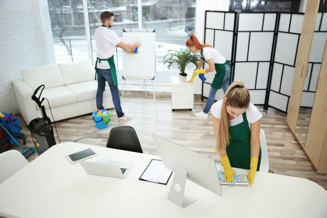 Cómo hacer un presupuesto de limpieza de oficinas